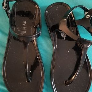 Old Navy Shoes - Jellie sandals